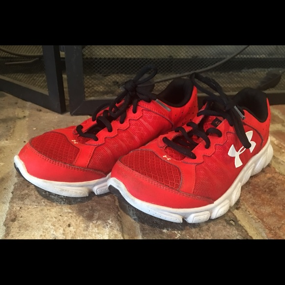 Boys Under Armour Assert 6 Shoes Red